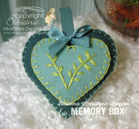 Felt heart blue front