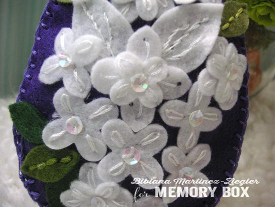 Egg flowers detail