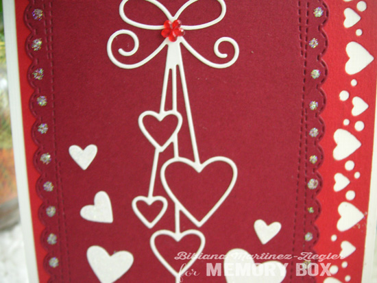 Val hearts red detail