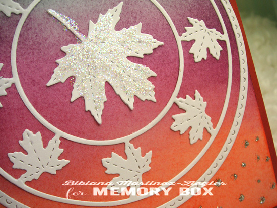 Fall white leaves distress backg detail