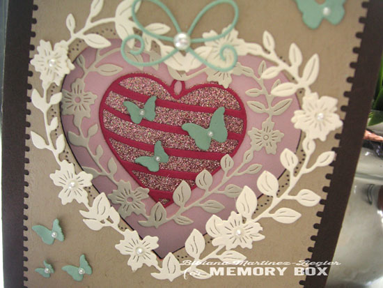 Double heart detail front